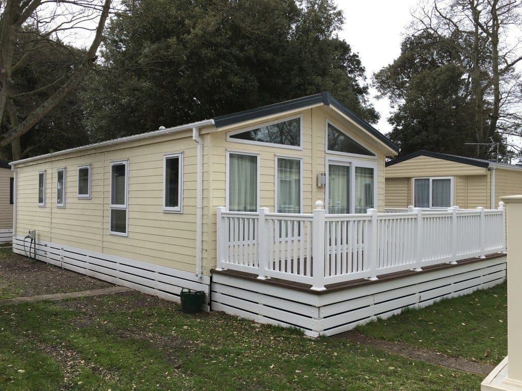 mudeford holiday lodge
